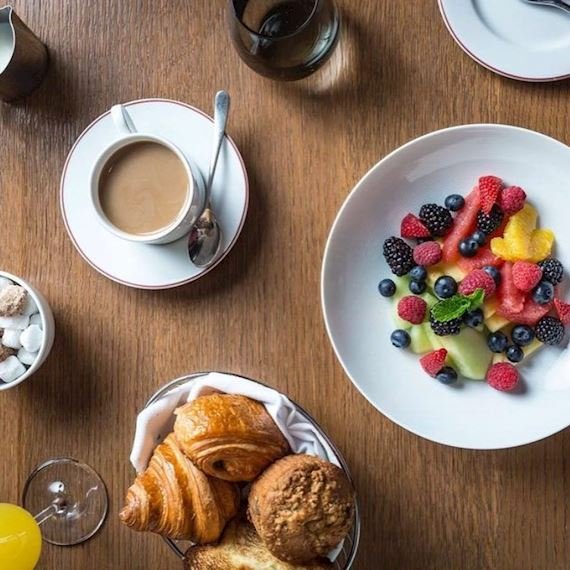 Bed and Breakfast Offers at The Iroquois Hotel New York